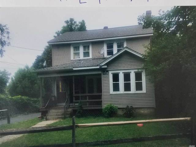 41 E 11th, Huntington Sta, NY 11746 (MLS #3195891) :: Signature Premier Properties