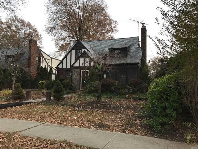 90 Meadow Street, Garden City, NY 11530 (MLS #3202382) :: Signature Premier Properties