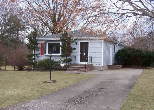 306 Tyler Avenue, Miller Place, NY 11764 (MLS #3205626) :: Keller Williams Points North