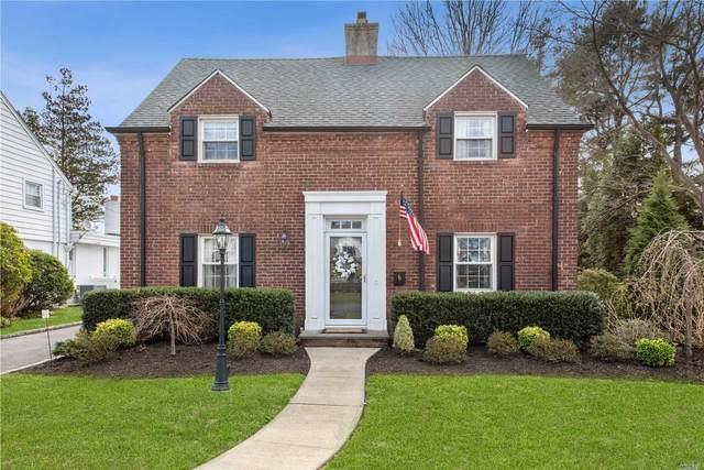 6 Huntington Rd, Garden City, NY 11530 (MLS #3210003) :: Signature Premier Properties