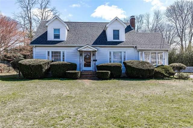 437 Sylvan Ave, Bayport, NY 11705 (MLS #3210410) :: Mark Boyland Real Estate Team