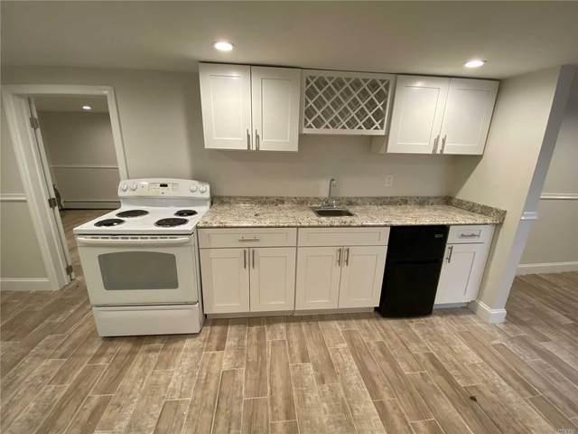 7 Garfield Street, Bay Shore, NY 11706 (MLS #3210573) :: Mark Boyland Real Estate Team