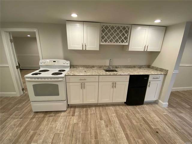 7 Garfield Street, Bay Shore, NY 11706 (MLS #3210574) :: Mark Boyland Real Estate Team