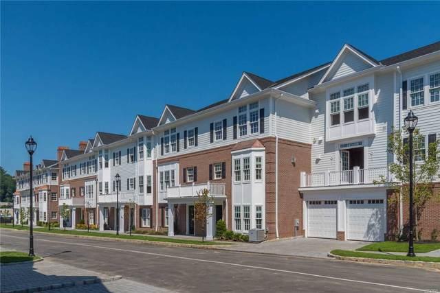 702 Grist Mill Circle 7-2, Roslyn, NY 11576 (MLS #3212024) :: Mark Seiden Real Estate Team