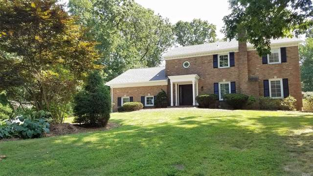 3 Pudding Lane, Dix Hills, NY 11746 (MLS #3213023) :: Cronin & Company Real Estate