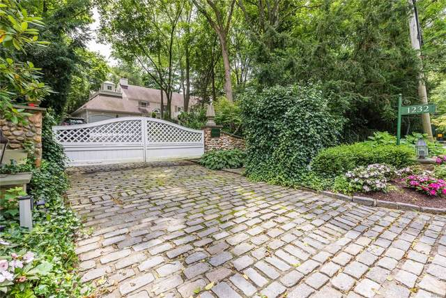 1232 Plandome Road, Manhasset, NY 11030 (MLS #3215880) :: Frank Schiavone with William Raveis Real Estate