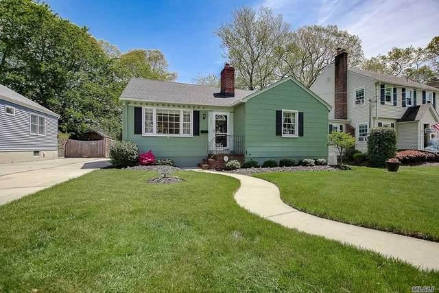 109 Cadman Ave, Babylon, NY 11702 (MLS #3216892) :: Cronin & Company Real Estate