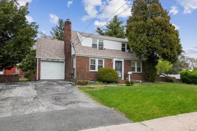 725 Goodrich St, Uniondale, NY 11553 (MLS #3217096) :: Cronin & Company Real Estate