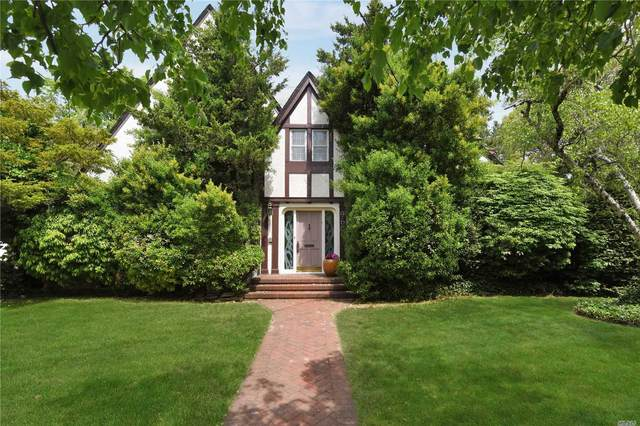 960 Greenfield Road, Woodmere, NY 11598 (MLS #3217135) :: Kendall Group Real Estate | Keller Williams
