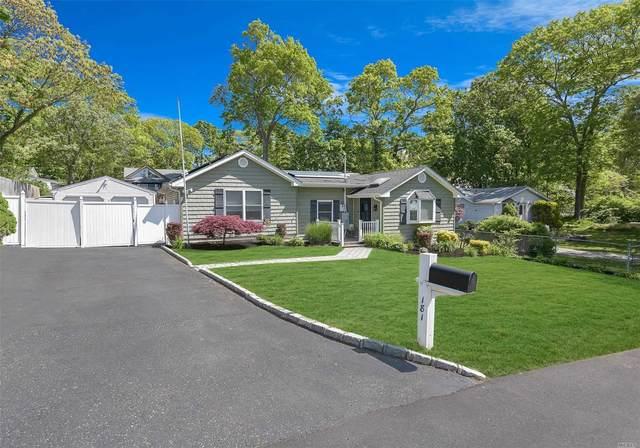 181 Sioux St, Ronkonkoma, NY 11779 (MLS #3217212) :: Cronin & Company Real Estate