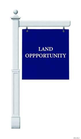 28 Mowbray Lane, Cold Spring Hrbr, NY 11724 (MLS #3217424) :: Cronin & Company Real Estate