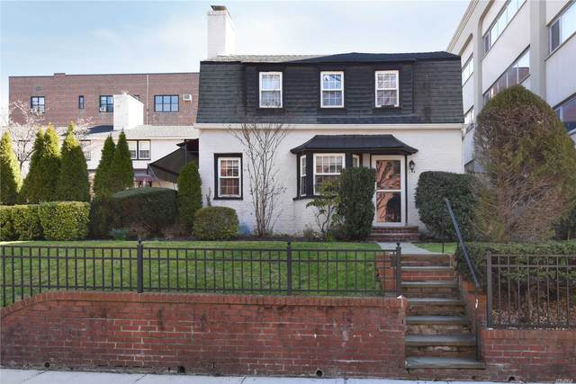 19 Barstow Road A, Great Neck, NY 11021 (MLS #3217479) :: Nicole Burke, MBA   Charles Rutenberg Realty