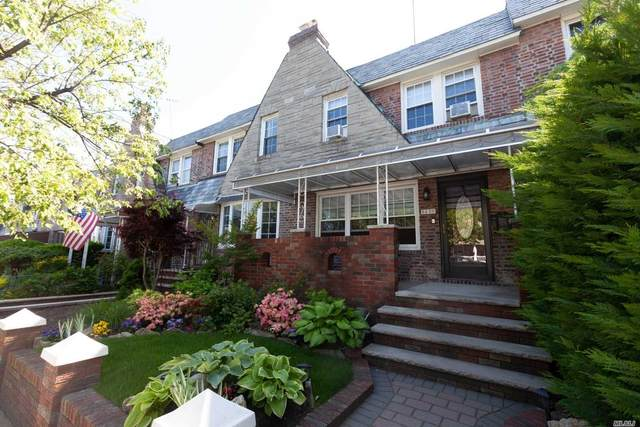 64-20 80 Street, Middle Village, NY 11379 (MLS #3218137) :: Cronin & Company Real Estate