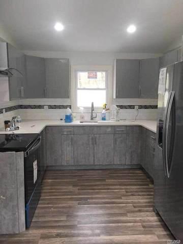 34 Bramble Ln, Westbury, NY 11590 (MLS #3218322) :: Signature Premier Properties
