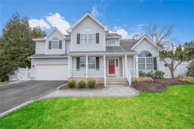 19 Long House Way, Commack, NY 11725 (MLS #3218366) :: Signature Premier Properties