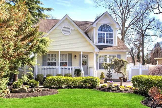 34 Woodlawn Avenue, Selden, NY 11784 (MLS #3218434) :: Cronin & Company Real Estate