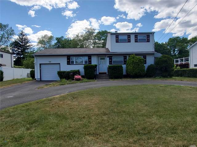 18 Lloyd Dr, Brentwood, NY 11717 (MLS #3218470) :: The McGovern Caplicki Team