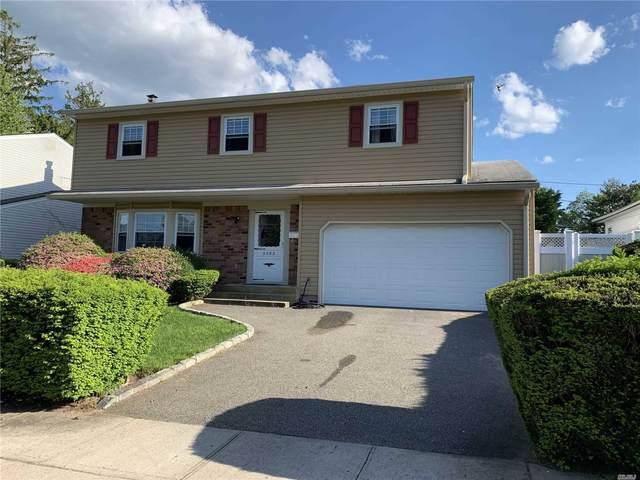 3582 Fams Court, Levittown, NY 11756 (MLS #3218479) :: Mark Boyland Real Estate Team