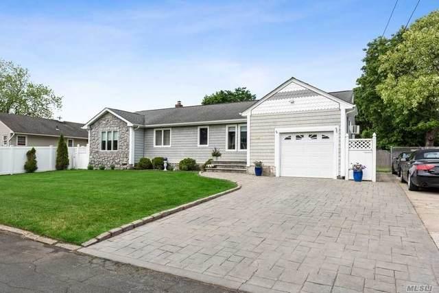 48 Embargo Pl, N. Babylon, NY 11703 (MLS #3219588) :: Mark Boyland Real Estate Team