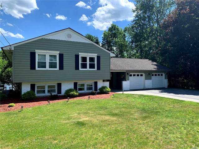 8 Clinton Court, Monroe Town, NY 10950 (MLS #3224744) :: The Home Team