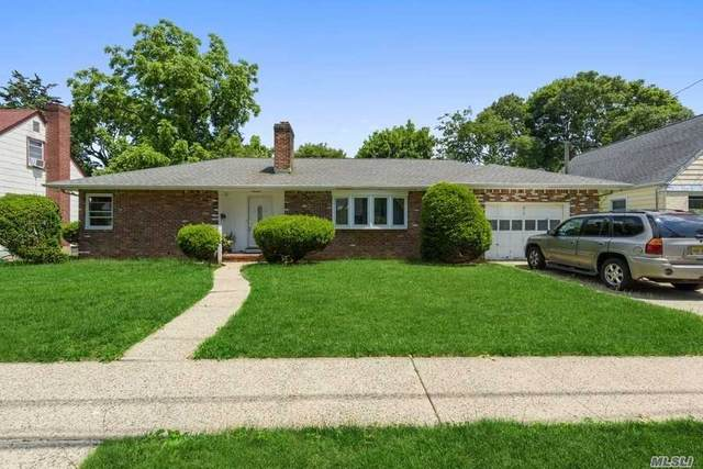 819 New St, Uniondale, NY 11553 (MLS #3225418) :: Kevin Kalyan Realty, Inc.