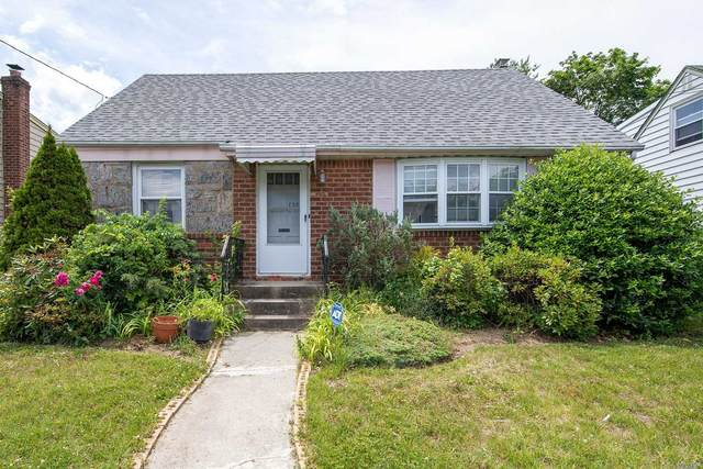 738 Martin Dr, Uniondale, NY 11553 (MLS #3226175) :: Kevin Kalyan Realty, Inc.