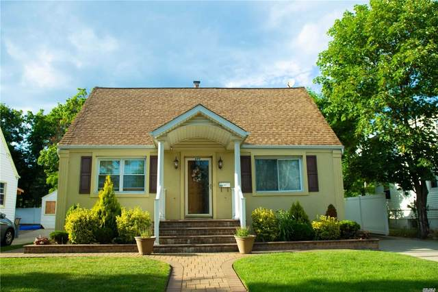 699 Midwood St, Uniondale, NY 11553 (MLS #3227042) :: Kevin Kalyan Realty, Inc.