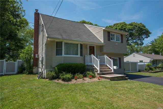 600 Pat Dr, West Islip, NY 11795 (MLS #3227108) :: Keller Williams Points North - Team Galligan