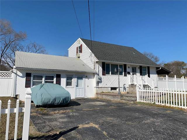 59 E Locust St, Central Islip, NY 11722 (MLS #3228343) :: Shalini Schetty Team
