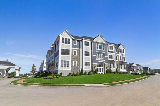 30103 Spruce Pond Circle 30-103, Plainview, NY 11803 (MLS #3228619) :: Keller Williams Points North - Team Galligan