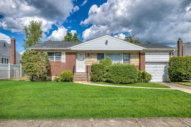 21 Lucille Drive, Syosset, NY 11791 (MLS #3229413) :: Keller Williams Points North - Team Galligan