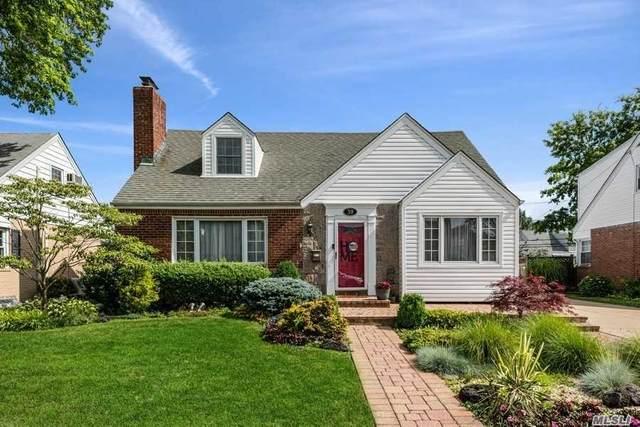 39 Gateway, Rockville Centre, NY 11570 (MLS #3229464) :: Signature Premier Properties
