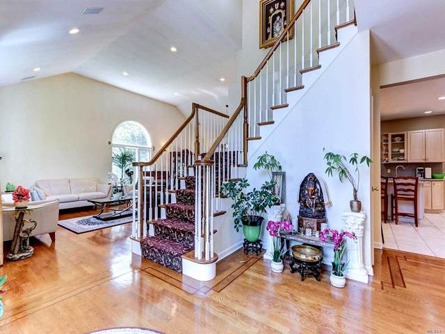 1 Shetland Ct, Dix Hills, NY 11746 (MLS #3229973) :: Signature Premier Properties