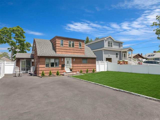 55 Pine Boulevard, Patchogue, NY 11772 (MLS #3229984) :: Signature Premier Properties