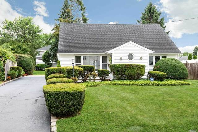 6 The Spur Spur, Syosset, NY 11791 (MLS #3230449) :: Signature Premier Properties