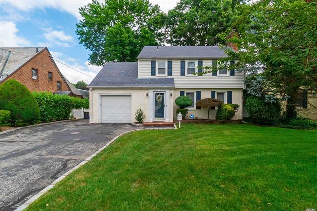 142 Bedell Ave, Hempstead, NY 11550 (MLS #3230500) :: The Home Team