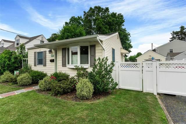 502 9th Ave, E. Northport, NY 11731 (MLS #3230664) :: Signature Premier Properties