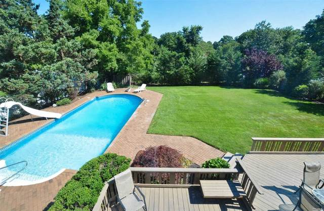 Commack, NY 11725 :: Signature Premier Properties