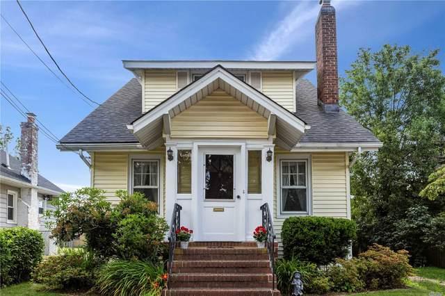 17 Linhurst Place, Rockville Centre, NY 11570 (MLS #3230930) :: Signature Premier Properties
