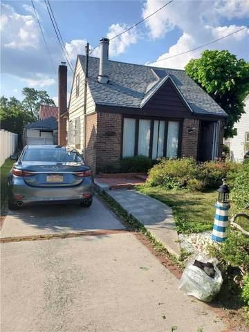 32 Bernard St, Merrick, NY 11566 (MLS #3232584) :: Signature Premier Properties