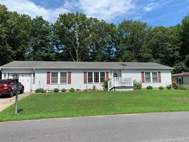 1407-3 Middle Road, Calverton, NY 11933 (MLS #3232654) :: Frank Schiavone with William Raveis Real Estate
