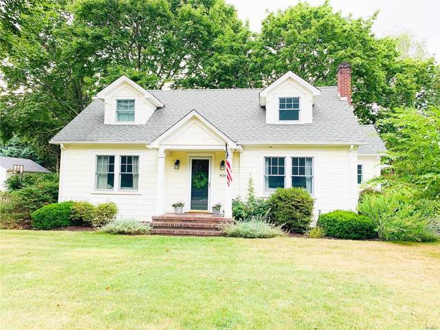 806 Peconic Bay Blvd, Jamesport, NY 11947 (MLS #3238639) :: Frank Schiavone with William Raveis Real Estate