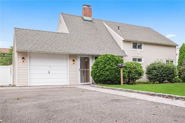 122 Acre Lane, Hicksville, NY 11801 (MLS #3239173) :: Shalini Schetty Team