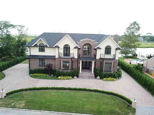 986 Wateredge Pl, Hewlett Harbor, NY 11557 (MLS #3240050) :: Frank Schiavone with William Raveis Real Estate