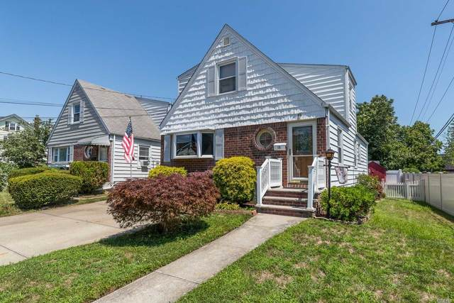 19 Daley Place, Lynbrook, NY 11563 (MLS #3240057) :: Frank Schiavone with William Raveis Real Estate
