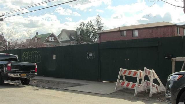 39-32 215 Place, Bayside, NY 11361 (MLS #3240182) :: Carollo Real Estate