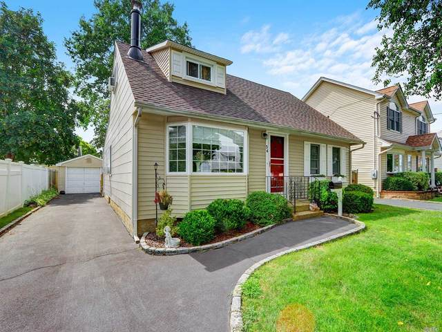 34 Smith Street, Hicksville, NY 11801 (MLS #3240789) :: Shalini Schetty Team