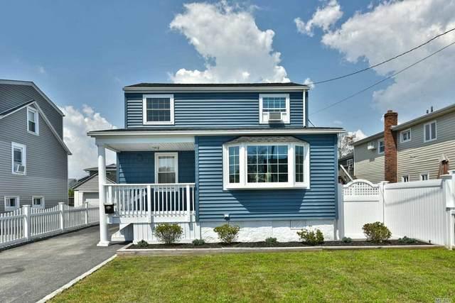 30 Mckinley Ave, Lindenhurst, NY 11757 (MLS #3242109) :: Mark Boyland Real Estate Team