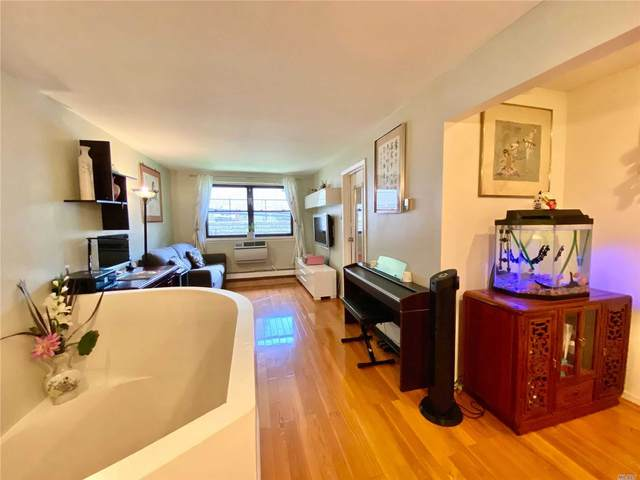 240-08 70th Avenue 4C, Little Neck, NY 11362 (MLS #3245909) :: Kevin Kalyan Realty, Inc.