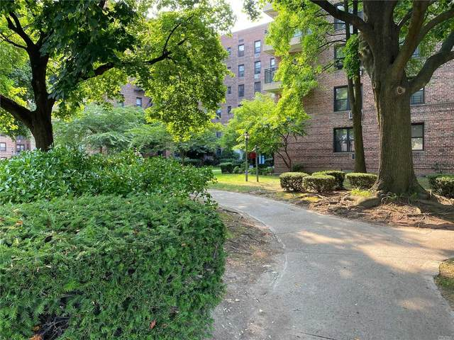 224-24 Union Turnpoke 4H, Bayside, NY 11364 (MLS #3246262) :: The Home Team